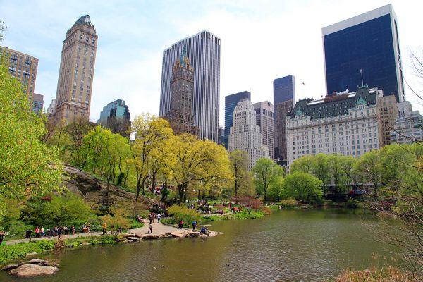3037-Central_Park-The_Pond.JPG